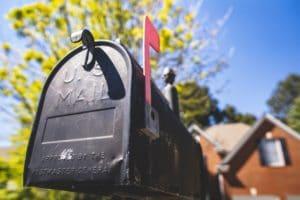 Obraz wyrózniający do wpisu pożyczka dla zadłużonych z odbiorem na poczcie.