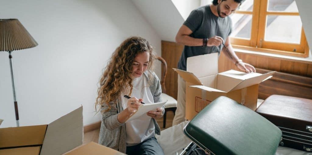 Obraz przedstawiający, jak wygląda książeczka mieszkaniowa.