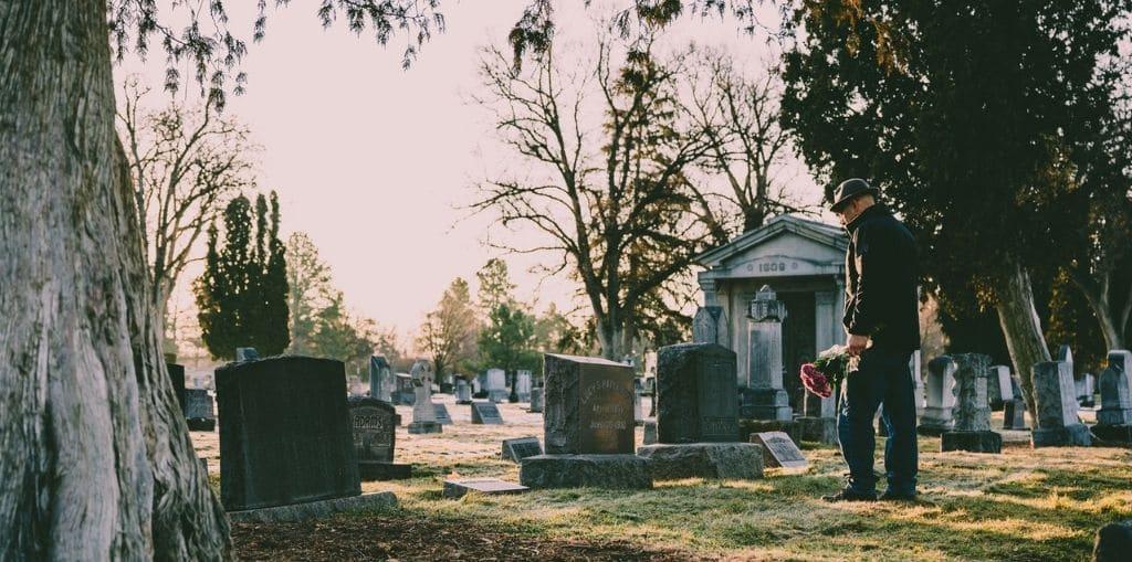 Obraz przedstawiający, jak wygląda ubezpieczenie pogrzebowe.